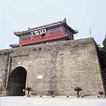 Picture of 山海关 - 天下第一关 (镇东门) Shanhaiguan Pass - First Pass Gate Tower (Zhendongmen Gate)