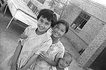 Picture of 吐鲁番 - 二堡乡的孩子 Tulufan (Turfan) - Erabaoxiang Children